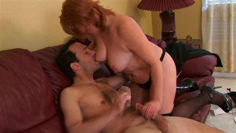 Insatiable Mature Woman Gets Her Pussy Expertly Eaten Out