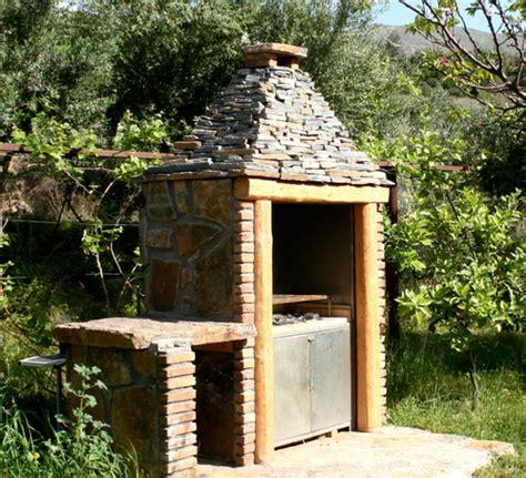 construire un barbecue en briques r 233 fractaires barbecue