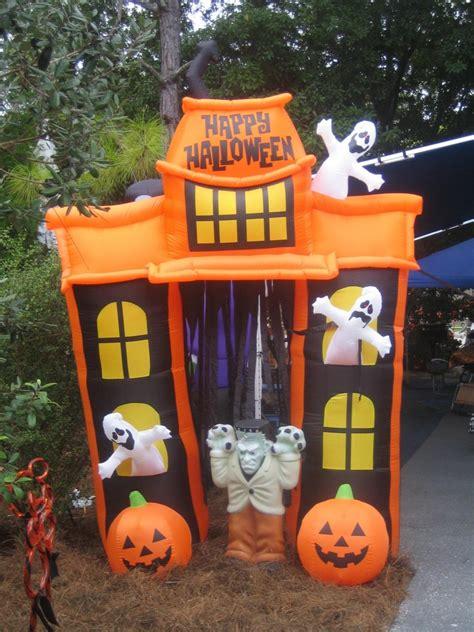halloween decorations  disneys fort wilderness resort  campground disney  day