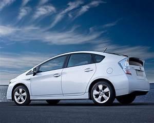 Beautiful Toyota Prius Wallpaper Full HD Pictures