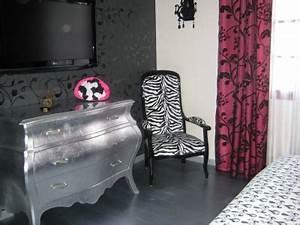 best chambre ado gris et fushia pictures lalawgroupus With chambre rose et noir baroque