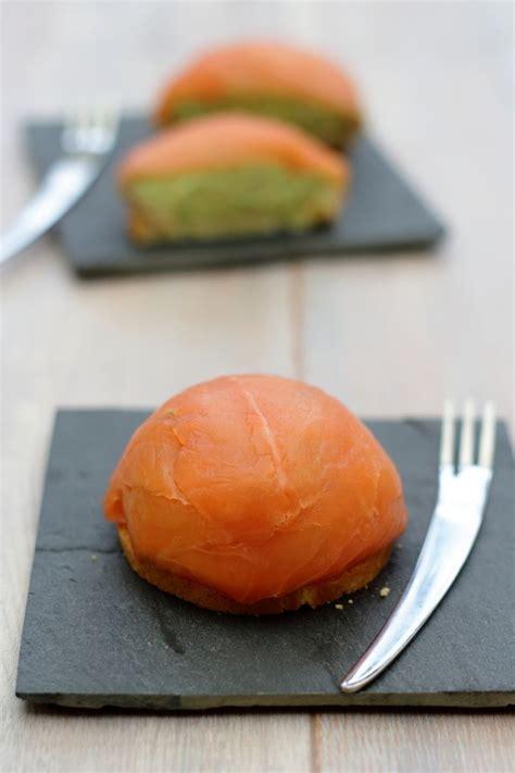 dome au saumon fume   la mousse davocat amandine cooking