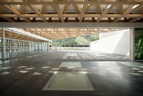 look at the completed aspen museum by shigeru ban