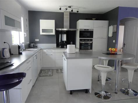 cuisine gris et cuisine moderne grise et blanche galerie et cuisine