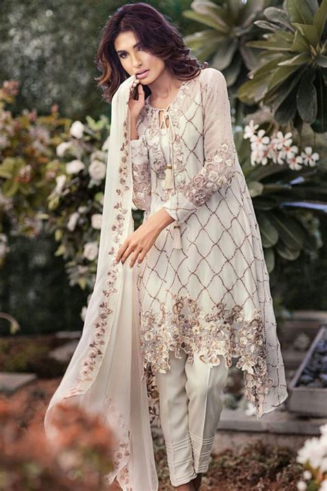 new year special party wear designer dresses online 2017 indian party dresses for women 2017