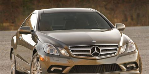 The second options package adds interior features such as keyless ignition, blind spot monitoring, and the availability of adaptive cruise control. 2013 Mercedes-Benz E550 coupe review notes