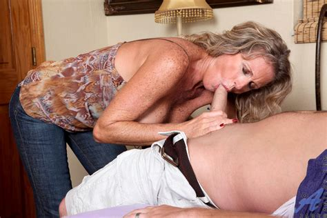 Horny cougar Jade Takes On A huge Cum Load After Getting Pounded By A Hunk Stud Ass Point