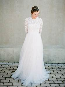23 winter wedding dresses that wow weddingsonline With winter lace wedding dresses
