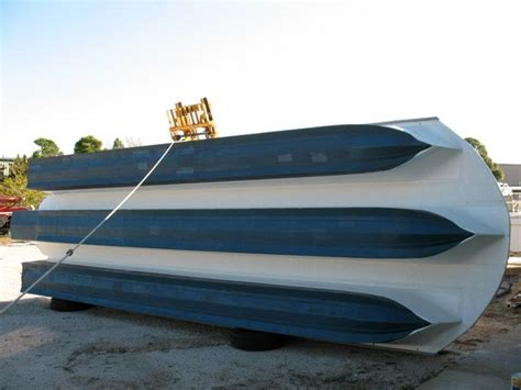Pontoon Boat Rental Wildwood by Best 25 Small Houseboats Ideas On Pinterest Used