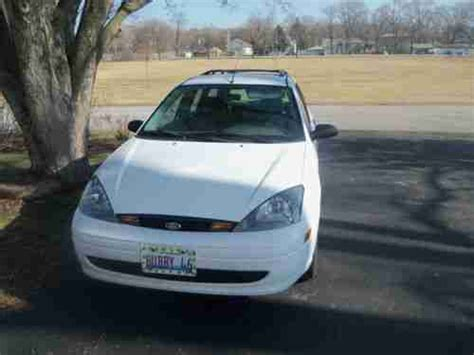 purchase used 2003 ford focus se 2 0l i4 engine 2wd automatic gasoline in hudson new york buy used 2003 ford focus se wagon 4 door 2 0l in lockport illinois united states for us 6 500 00