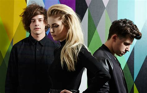 London Grammar perform new song 'Truth Is A Beautiful