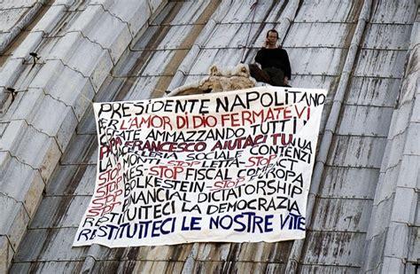 cupola vaticano vaticano imprenditore sale per protesta sulla cupola di