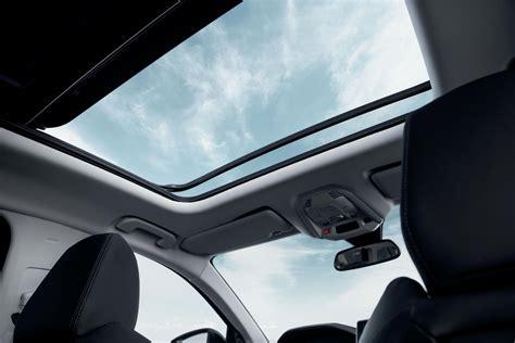 merawat mobil berfitur sunroof  panoramic sunroof