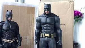 Batman Suicid Squad : popcandy hot toys mms409 suicide squad batman comparison custom stuff youtube ~ Medecine-chirurgie-esthetiques.com Avis de Voitures