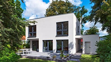 Moderne Zweigeschossige Häuser by Cubatur 145 Moderne H 228 User Bauen Roth Massivhaus