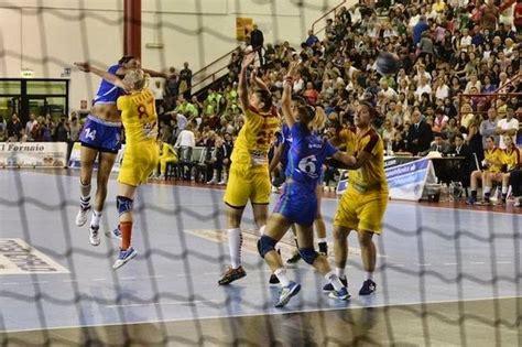 Die deutsche handballnationalmannschaft hat bei der wm in spanien den ersehnten. Handball-Damen: Makedonien verliert erneut gegen Italien