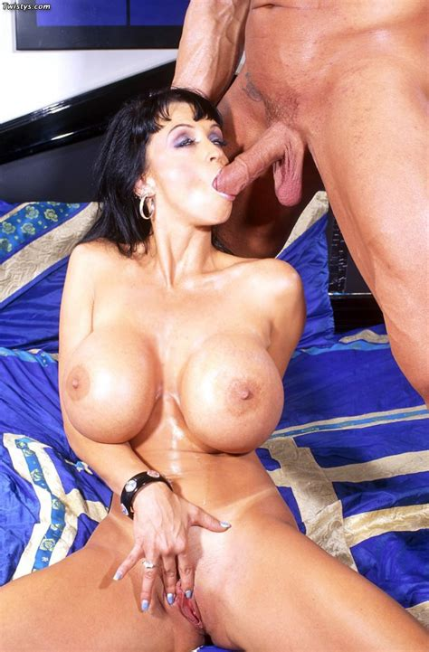 Mouth Watering Summer Cummings With Massive Globes Has