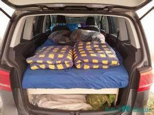 Auto Als Bett : camping umbau im vw touran itchy feet blog die welt entdecken ~ Markanthonyermac.com Haus und Dekorationen
