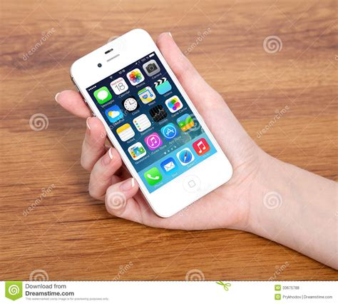 beautiful new apple iphone 7 new operating system ios 7 screen on iphone 4s apple