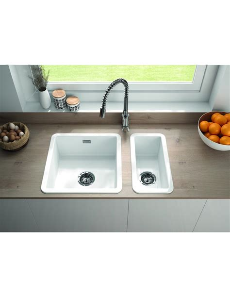 undermount porcelain kitchen sinks metro by thoms denby met1040 1 0 bowl ceramic sink 6600