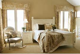Here I Love The Shades Of Ivory With French White Furniture Pictures Of English Country Bedrooms Country Style Bedrooms Designs The Retro Ideas Of The Country Style About Country Style Bedrooms On Pinterest Country Style Country