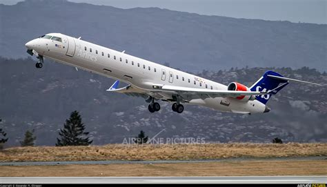 EI-FPA - SAS - Scandinavian Airlines (CityJet) Canadair CL ...
