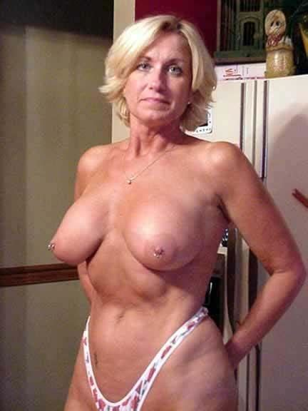 Hot Mature Tits Blackboxxx