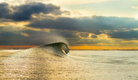 Why Surfing Is So Ridiculously Addictive | The Inertia