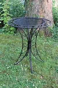 Gartentisch Metall Antik : bistrotisch metall antik stil gartentisch 80cm garten bistro tisch schwarz aubaho ~ Watch28wear.com Haus und Dekorationen