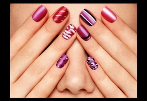 Art Of Nail Polish For Women And Artificial Nails For
