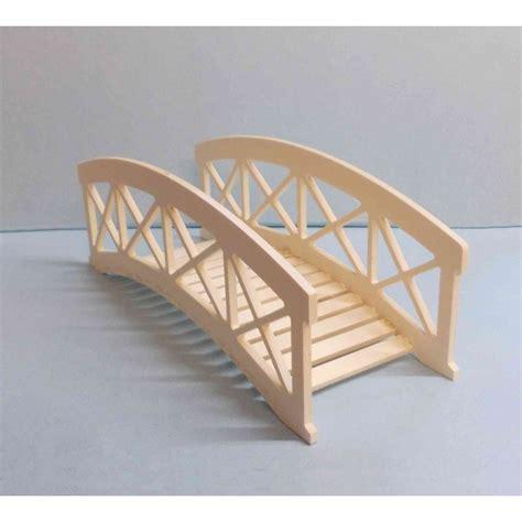pont miniature en bois