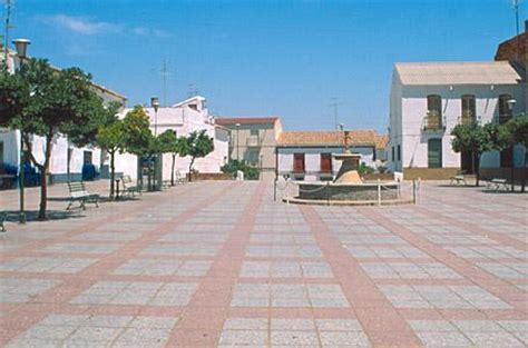 La provincia de jaén es la puerta de andalucía, situada al noreste de la comunidad autónoma andaluza, justamente en la cabecera del río guadalquivir, a caballo entre sierra morena y las cordilleras béticas. HIGUERA DE ARJONA (Jaén)
