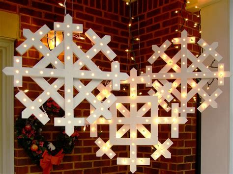 wooden snowflakes  lights  tos diy