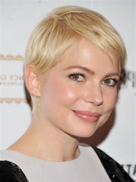 Womens Hairstyles For Faces by Haircuts For With Oval Faces
