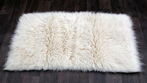 tapis flokati pure laine vierge cm  cm tapis pure