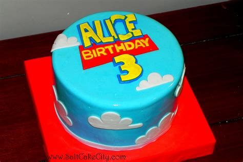 story birthday cake help me two tier story cake im pretty new at this