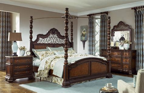 legacy classic royal tradition poster canopy bed