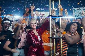 Billboard Christian Charts Katy Perry 39 S 39 Swish Swish 39 Video All The Cameos Billboard