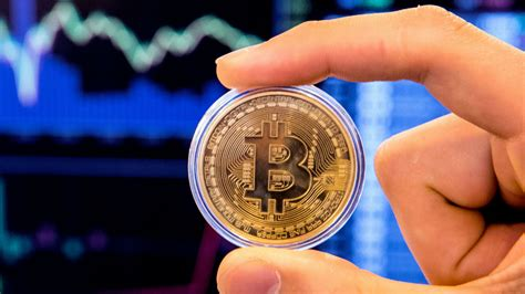 Changes in the value of 1 us dollar in bitcoin. Bitcoin price soars past $20,000 to all-time high | The ...