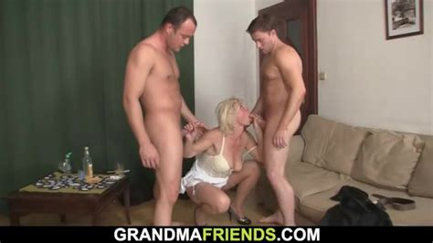 Hot Threesome Sex With Blonde Mature Woman Redtube