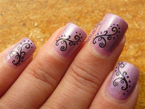 Nail Art :  Holo Hestia+ Curvy Indian Nail Art