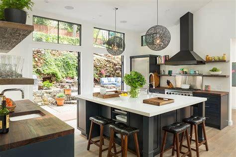 cuisine bois nature et d馗ouverte maison familiale totalement rénovée dans les environs de san francisco vivons maison