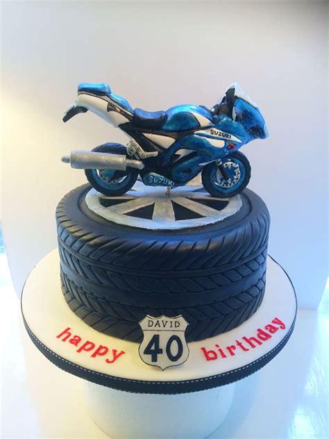 pin  amna   cakes motorcycle cake motorcycle