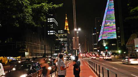 Avenida Paulista at night - (Português do Brasil) Check In ...