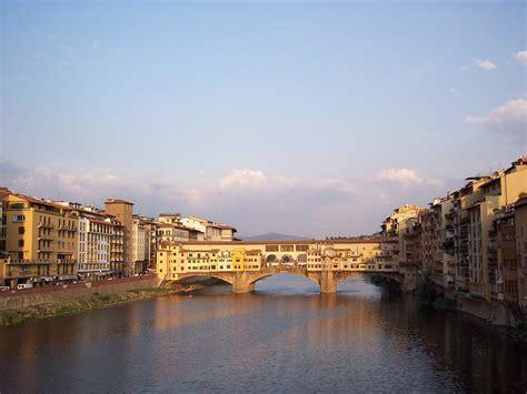 File:Ponte Vecchio, Florence, Italy.jpg - Wikiversity