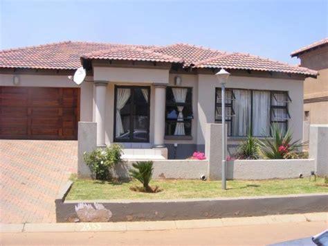 3 Bedroom House Johannesburg by 3 Bedroom House For Sale For Sale In Amandasig Mr200418