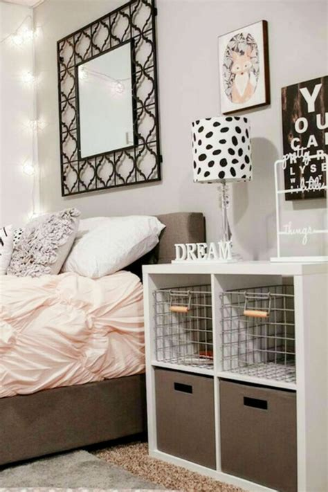 Bedroom Storage Ideas For Small Bedrooms by Small Bedroom Storage Hacks Clever Storage Ideas For
