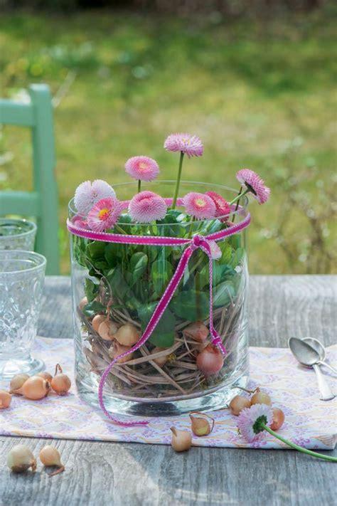 fruehlingsdeko mit bellis kreativ fruehlings dekoration