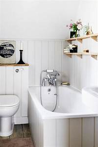 Nice, Open, Shelving, At, End, Of, A, Bathtub, For, More, Efficient