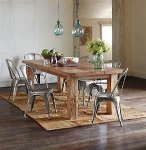 grande table a manger en bois massif avec quelles chaises With deco cuisine avec table a manger verre et bois